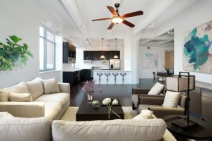 Kuchyně, obývák, bílá, moderní