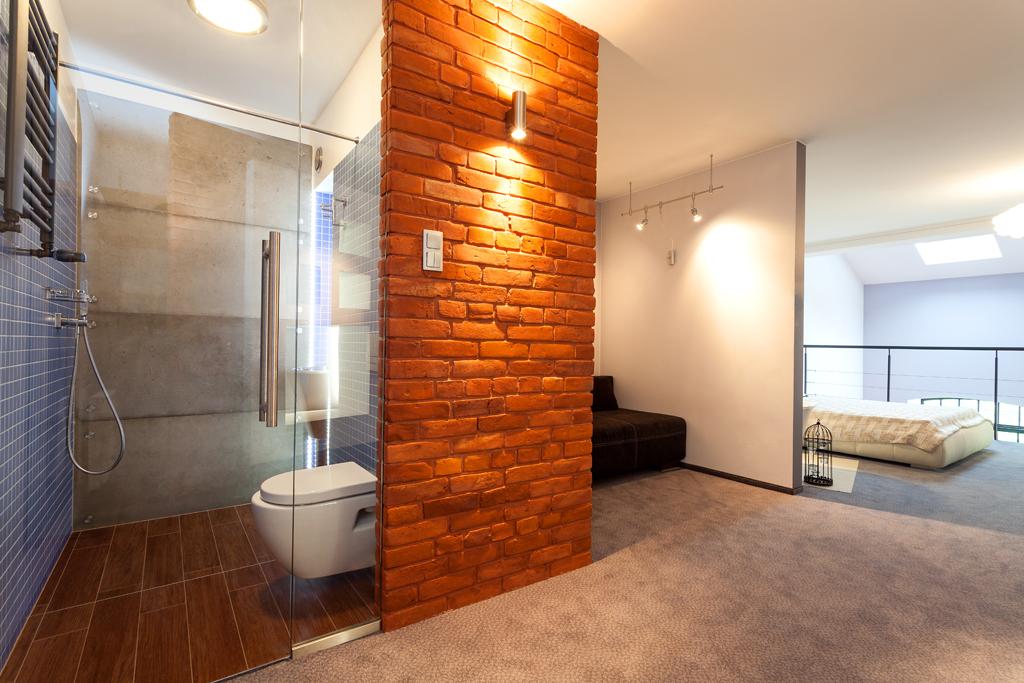 Malá koupelna, velké světlo