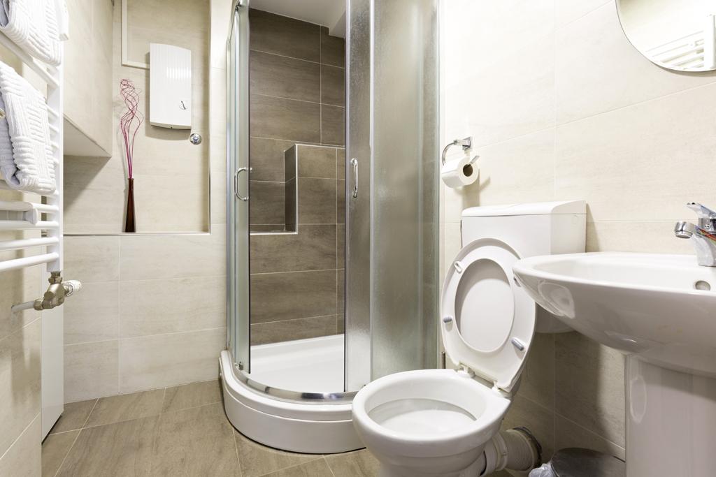 Klasická koupelna s toaletou