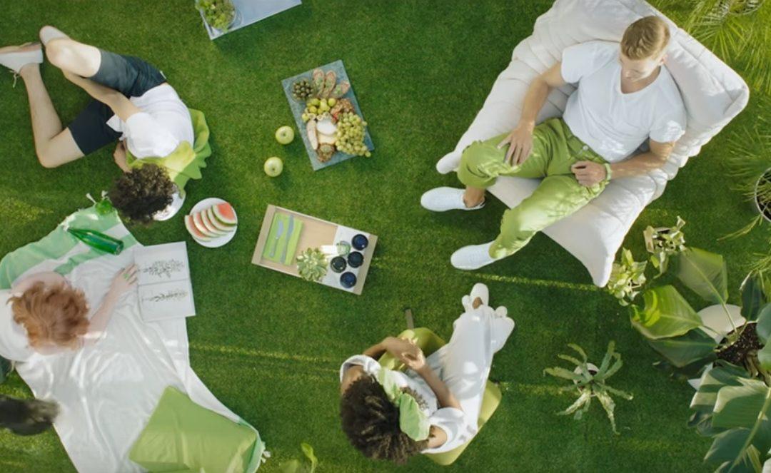 Letos si pusťte domů přírodu: šťavnatá zelená je barvou roku