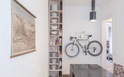 JARO VOLÁ: 10 nápadů, jak doma vtipně uskladnit bicykl